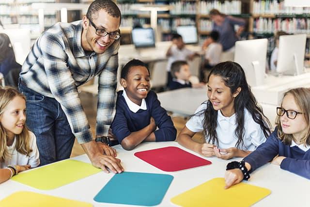5 dicas de como potencializar a relação professor aluno em sala de aula
