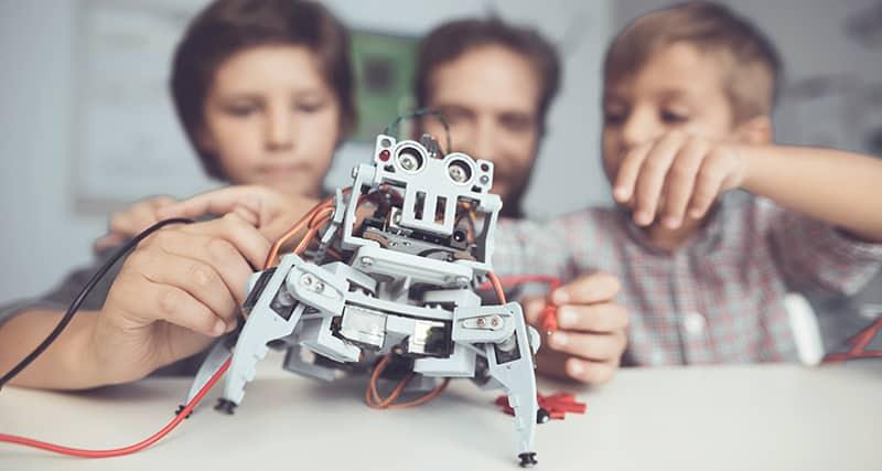 8 exemplos de tecnologia na educação que você pode usar agora mesmo!